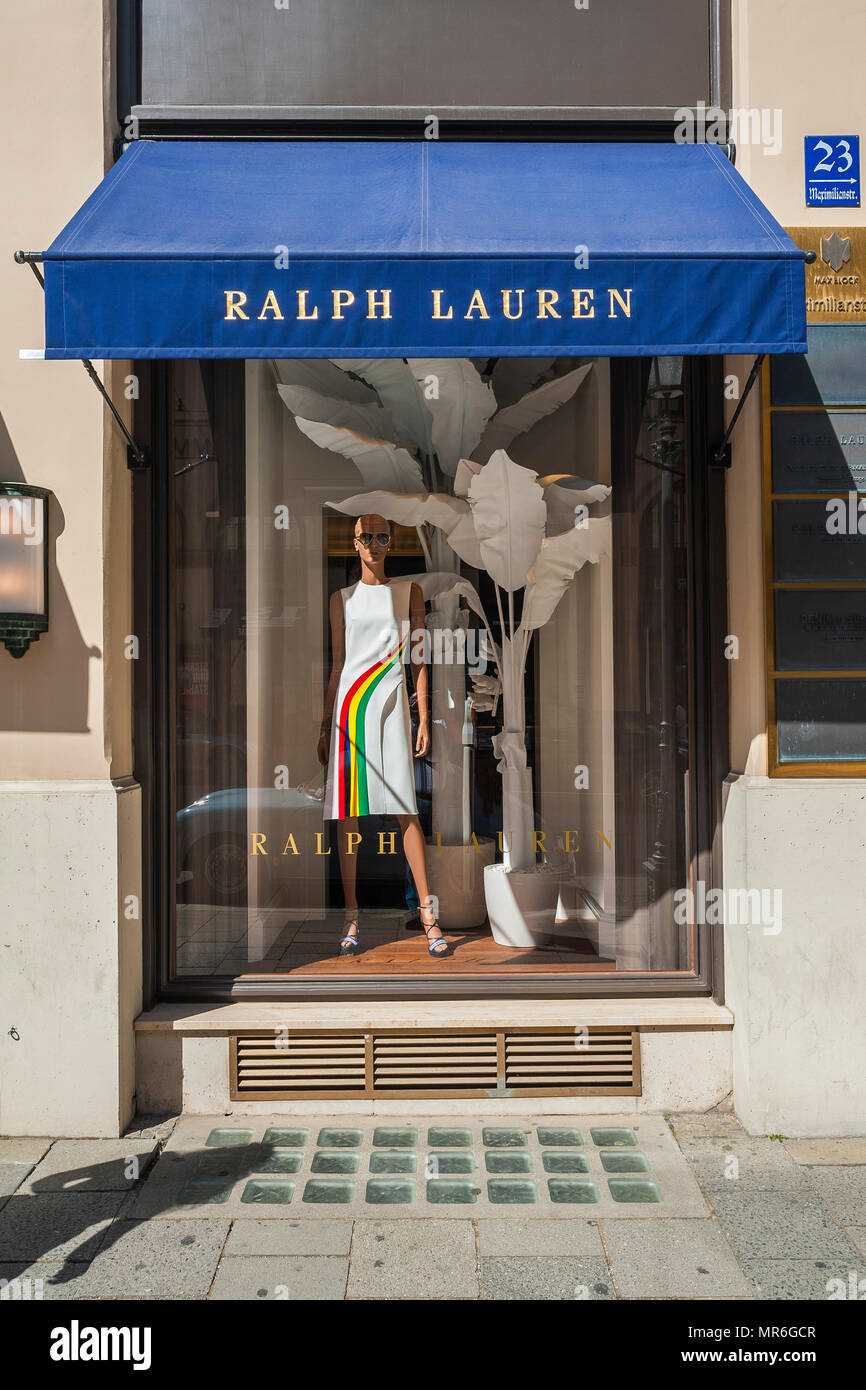 Shop window, fashion store Ralph Lauren, exclusive shopping street, Maximilianstraße, old town, Lehel, Munich, Upper Bavaria - Stock Image
