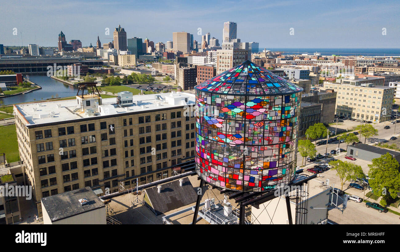 Tom Fruin's stained glass watertower, 400 S 5th St Walker's Point, Milwaukee, WI, USA - Stock Image