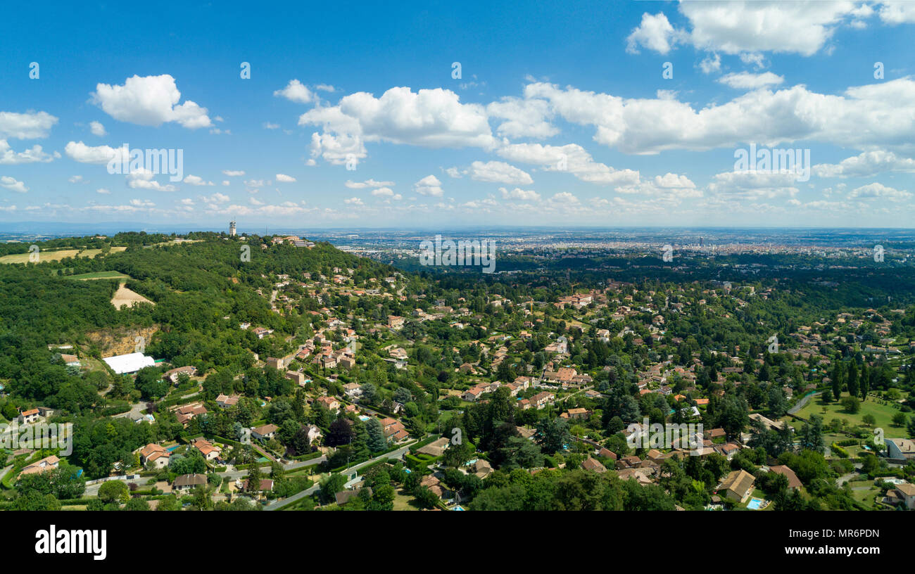 Saint-Cyr-au-Mont-d'Or (eastern France). Aerial view of the houses in the town and panoramic view of the Mont dÕOr massif - Stock Image