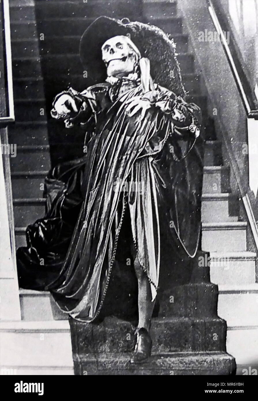 Lon Chaney in 'The Phantom of the Opera' a 1925 American silent horror film adaptation of Gaston Leroux's 1910 novel, directed by Rupert Julian and starring Lon Chaney, Sr. in the title role. Lon Chaney (1883 – 1930); American stage and film actor, make-up artist, director and screenwriter. renowned for his characterizations of tortured, often grotesque and afflicted characters, and his ground-breaking artistry with makeup. - Stock Image