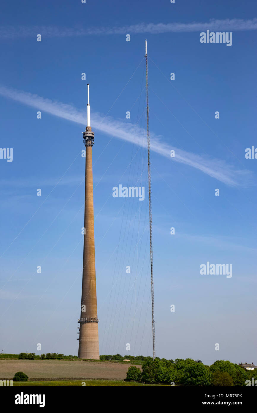 A view of the Emley Moor Transmission mast together with the temporary mast erected adjacent to it while maintenance is undertaken on the original mast - Stock Image