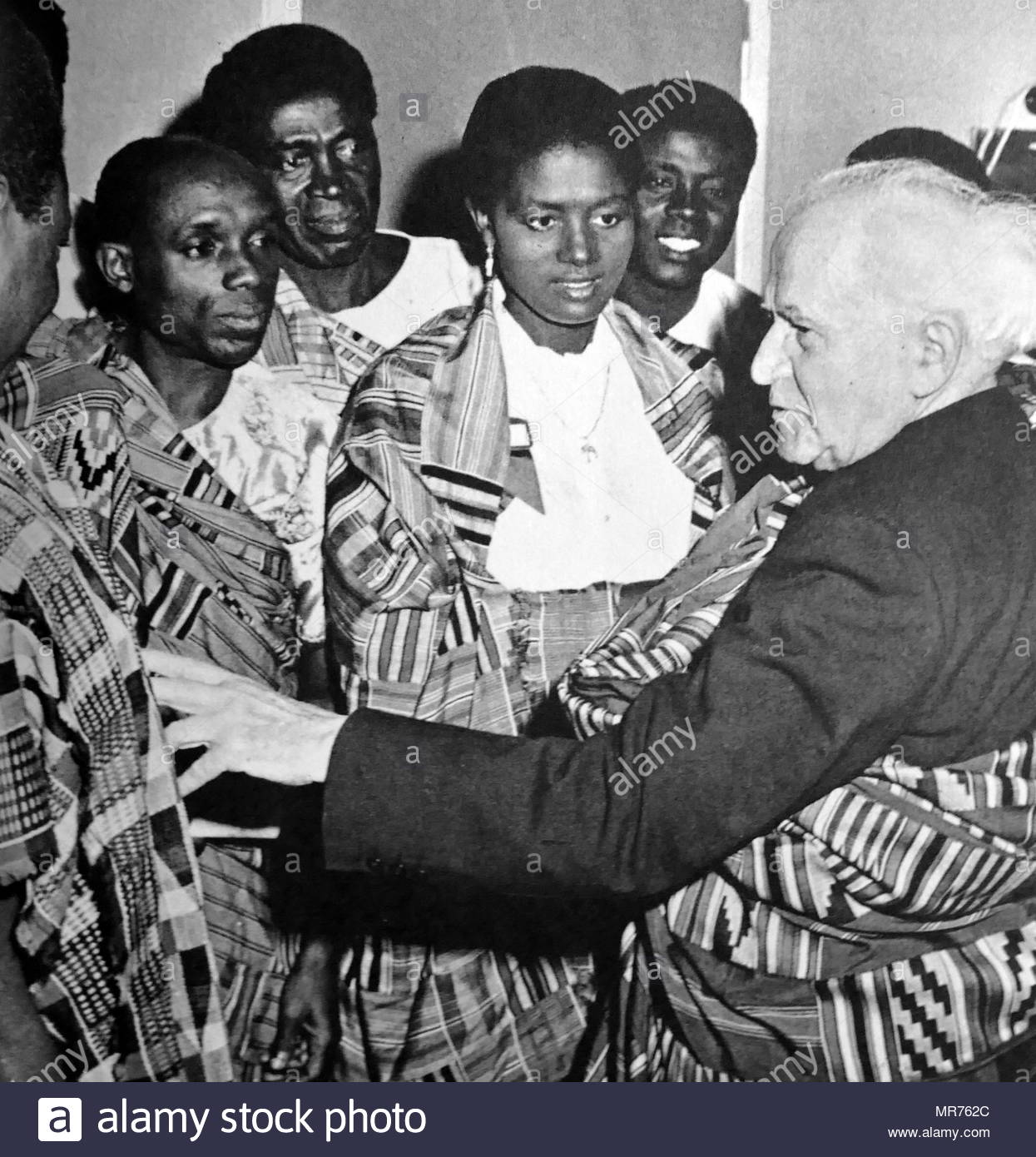 David Ben Gurion talks with Ghanaian students visiting Israel in 1961. David Ben-Gurion (1886-1973) was an Israeli Labour Politician and first Prime Minister of Israel. - Stock Image