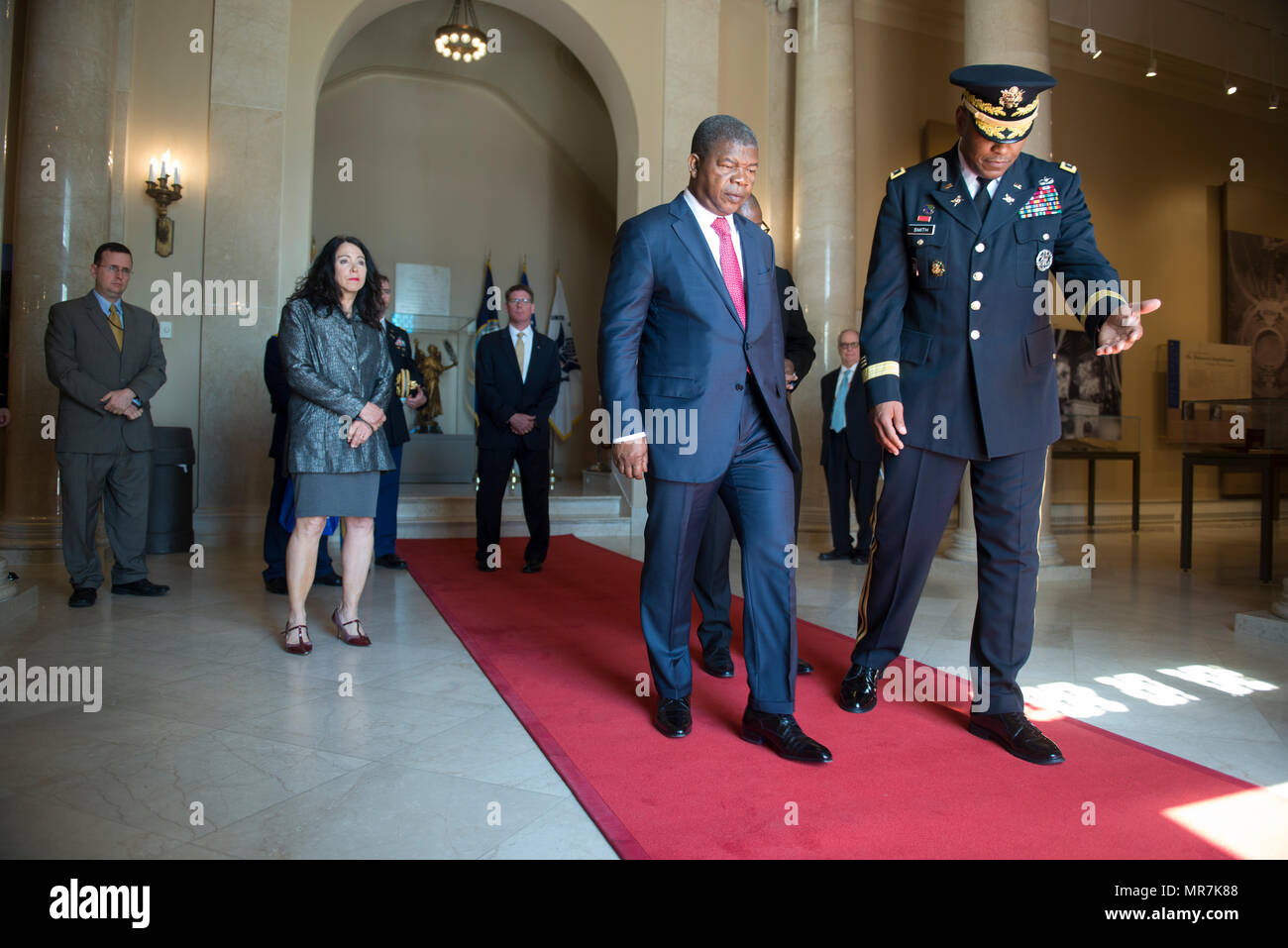 Leslie Smith Deputy To The Inspector General Office Of The Secretary Of The Army Escorts His Excellency Jo E1 Be B6o Lourenco Minster Of Defense Of Angola