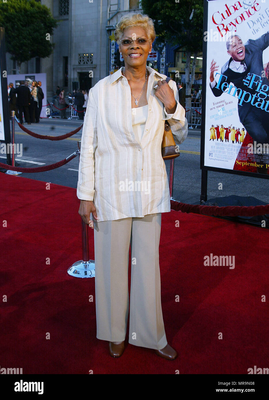 Dionne Warwick arriving at the Premiere of