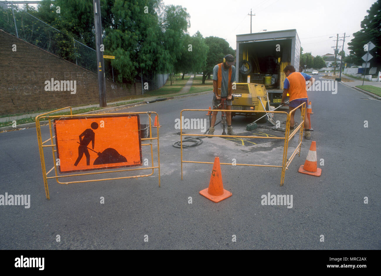 ROAD RESURFACING IN PROGRESS, SYDNEY, NEW SOUTH WALES, AUSTRALIA - Stock Image