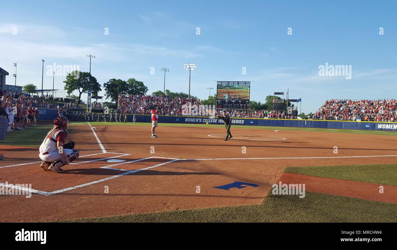 ncaa college softball world series 2017