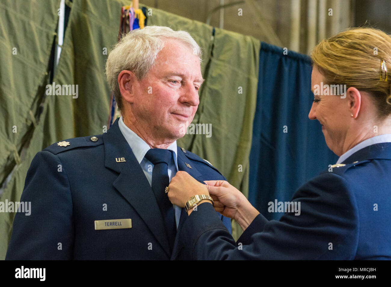 Us air force lt col bryony terrell right pins a vietnam us air force lt col bryony terrell right pins a vietnam veteran lapel pin on her father retired lt col royce terrell to honor his service in the publicscrutiny Choice Image