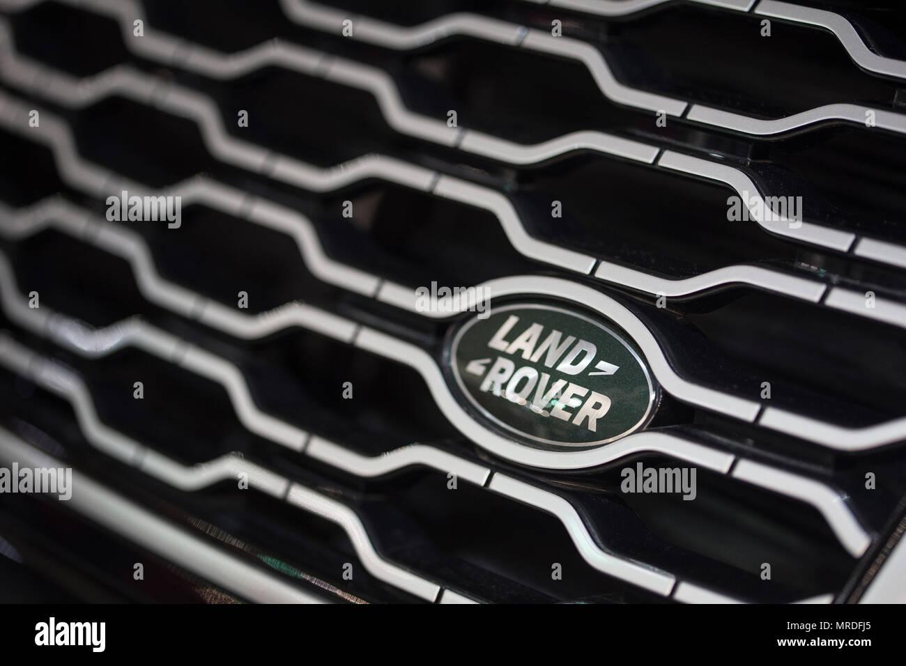 Land Rover logo on a car - Stock Image