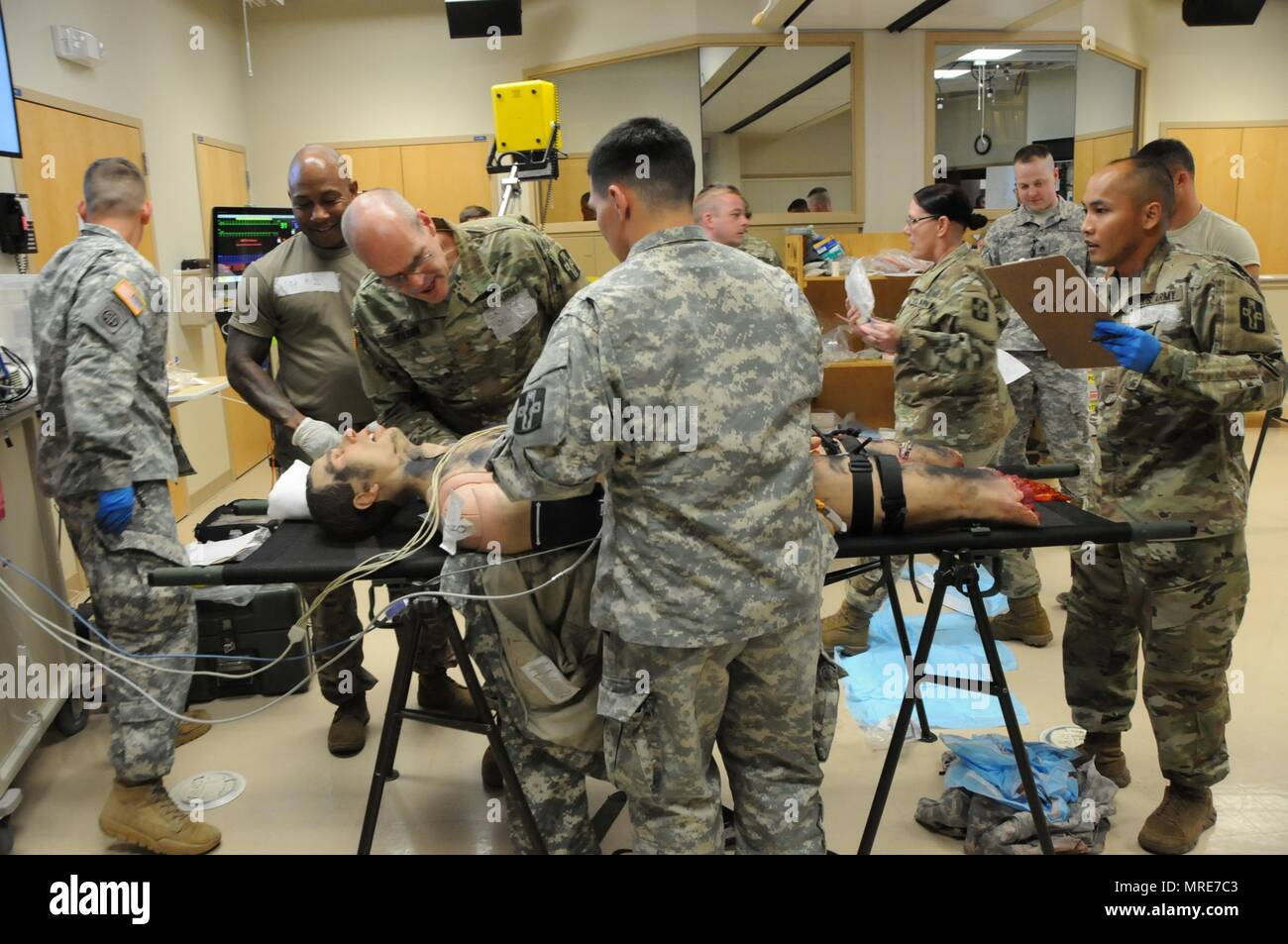 Soldiers assigned to the 807th Medical Command's 228th Combat Support Hospital based out of San Antonio, Texas attend a three-day training exercise on 2-4 Jun. at the the Mayo Clinic Multidisciplinary Simulation Center located in Rochester, Minnesota.    The MCMSC TeamSTEPPS Exercise, hosted by Army Reserve Medical Command's Medical Readiness and Training Command, provides Army Reserve medical units and healthcare providers the opportunity to work together in a realistic setting that replicates theater-specific injuries and focuses on teaching and incorporating TeamSTEPPS into Army Reserve pro Stock Photo