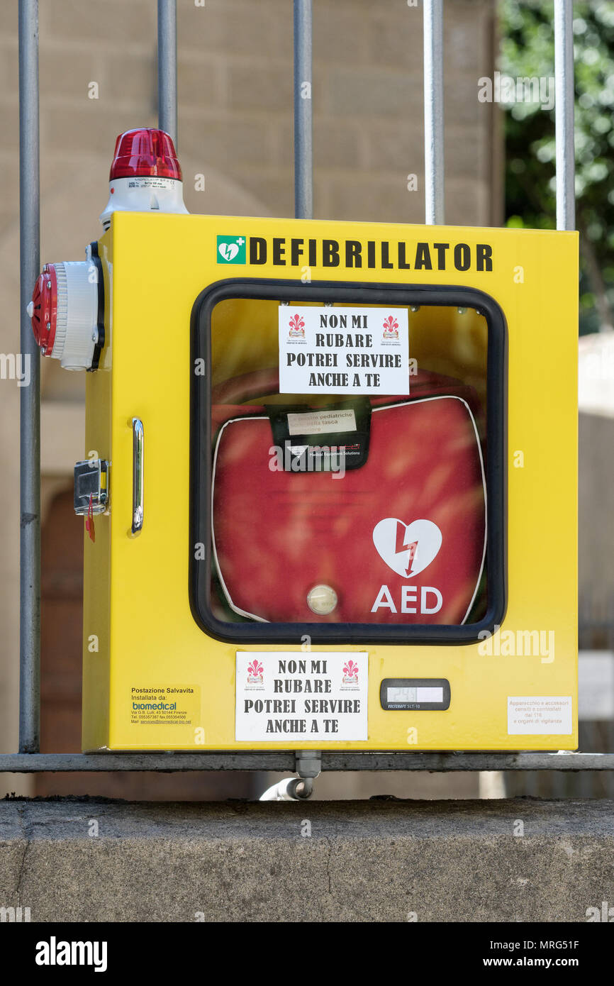 PAD, Public Access Defibrillator for emergency use on public street railings in tourist area, Florence, Tuscany, Italy, Europe, - Stock Image