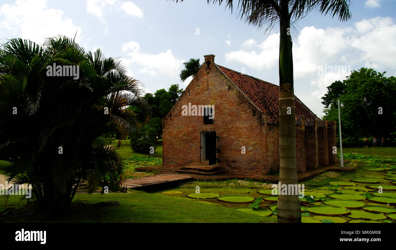 Exterior view to gunpowder storage in Fort Nieuw Amsterdam Marienburg, Suriname - Stock Image