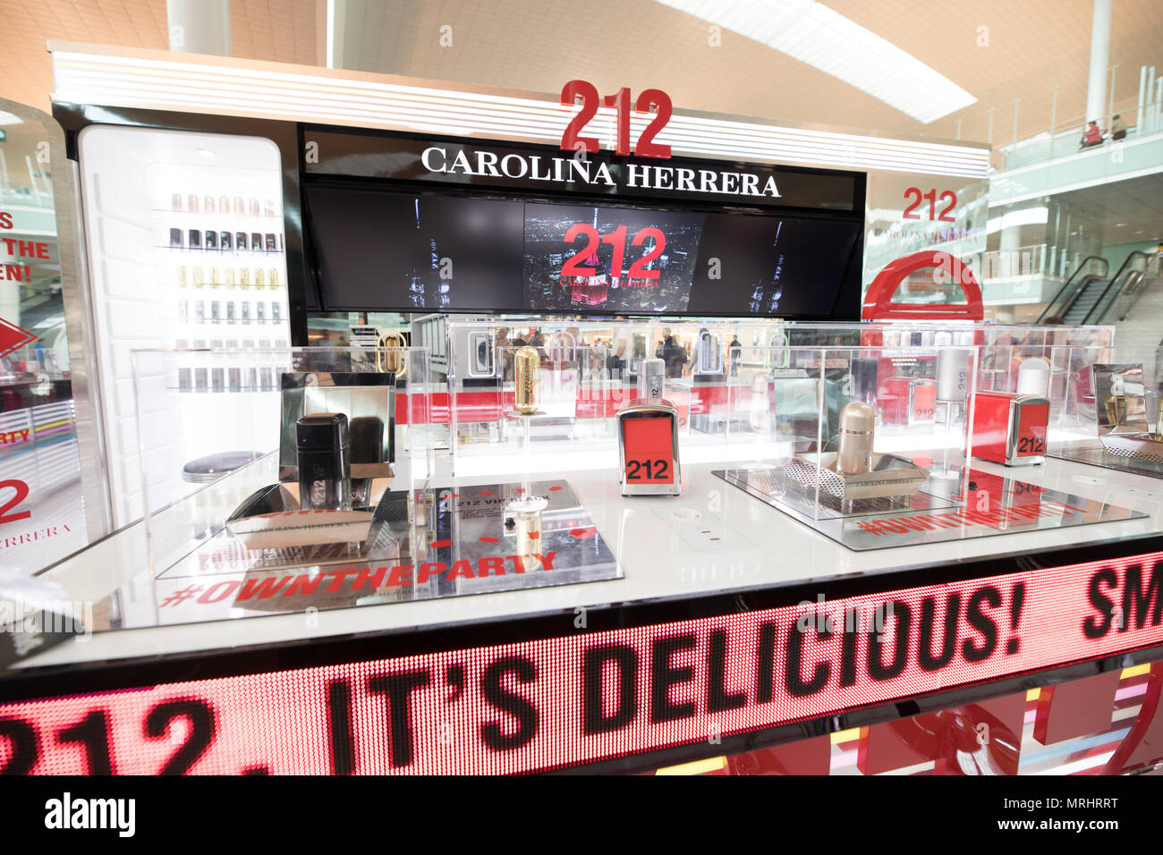 d1ab46fbe6 Barcelona airport, Spain CAROLINA HERRERA store business Stock Photo ...