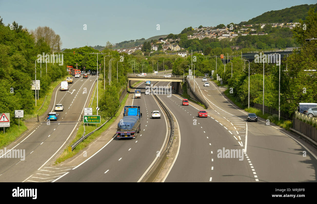 The A470 trunk road at Pontypridd which is a major commuter route into Cardiff - Stock Image