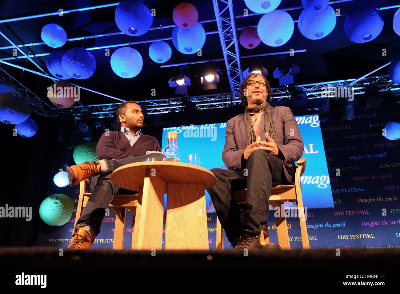 Hay Festival, Hay on Wye, UK - May 2018 - David Olusoga historian, author and broadcaster talks about his book Black and British - A Forgotten History with host Amol Rajan ( on left )  - Photo Steven May / Alamy Live News - Stock Image