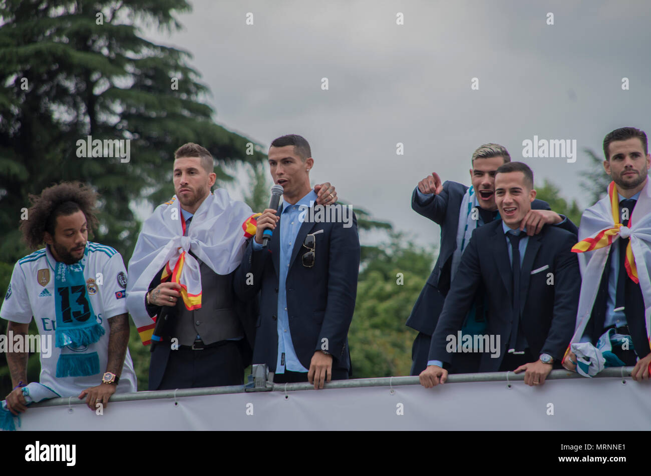 Cibeles, Spain. 27th May 2018. The Real Madrid players celebrated their 13th European Cup at Champions League with their traditional itinerary from Santiago Bernarbeu stadium to La Cibeles square where they exhibited the cup and celebrated their victory together with thousands of fans. Credit: Lora Grigorova/Alamy Live News Stock Photo