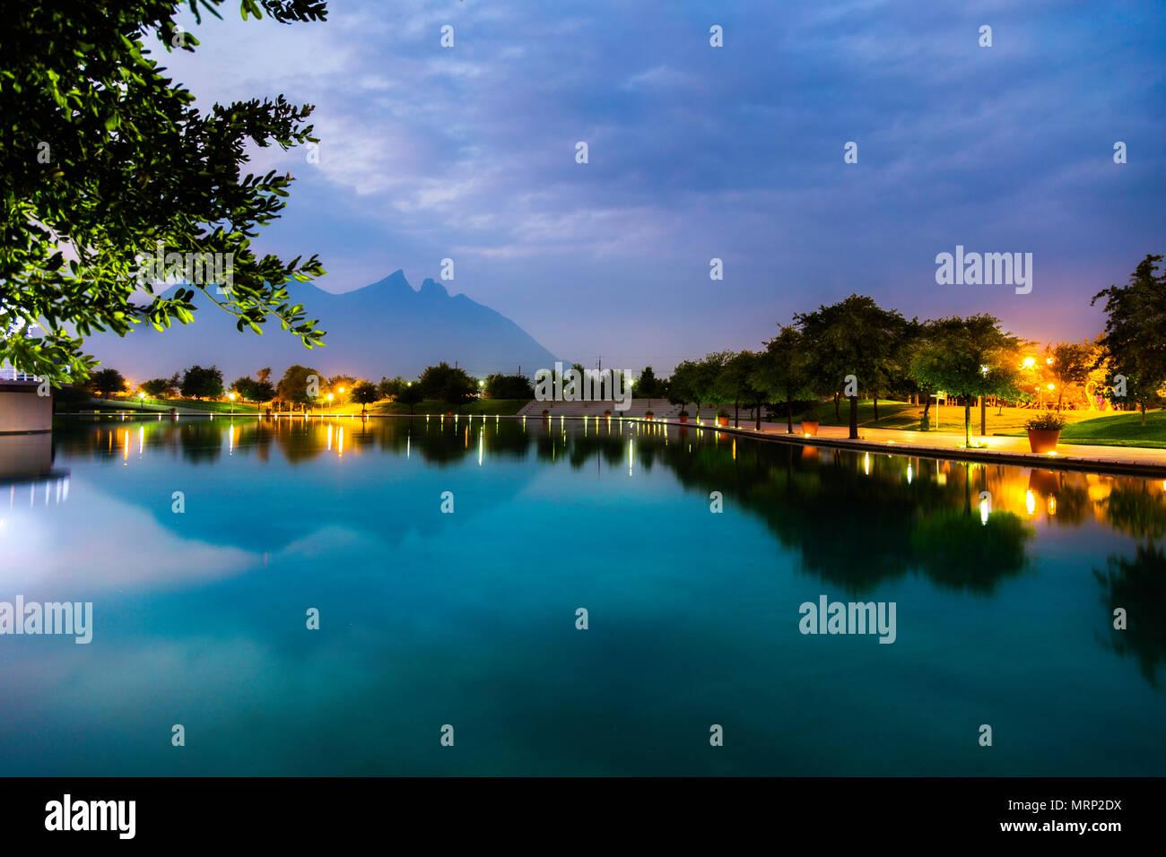 Paseo Santa Lucía, Parque Fundidora, Cerro de la Silla, Atardecer, Monterrey, Nuevo Leon, Mexico Stock Photo
