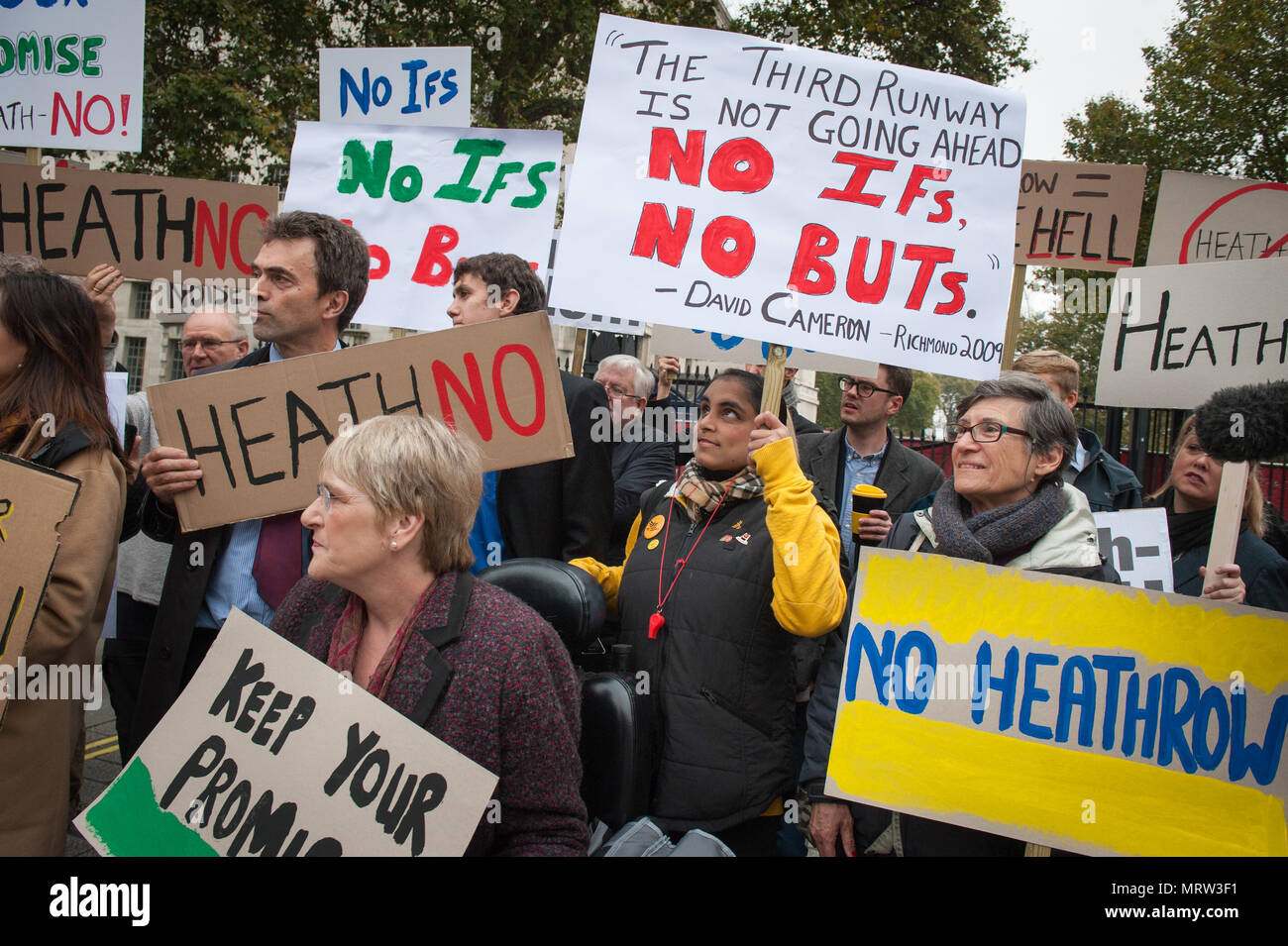Whitehall, London, UK.25th October 2016. Vince Cable (wearing hat) joins a small anti-Heathrow protest  opposite Downing Street, London - Stock Image