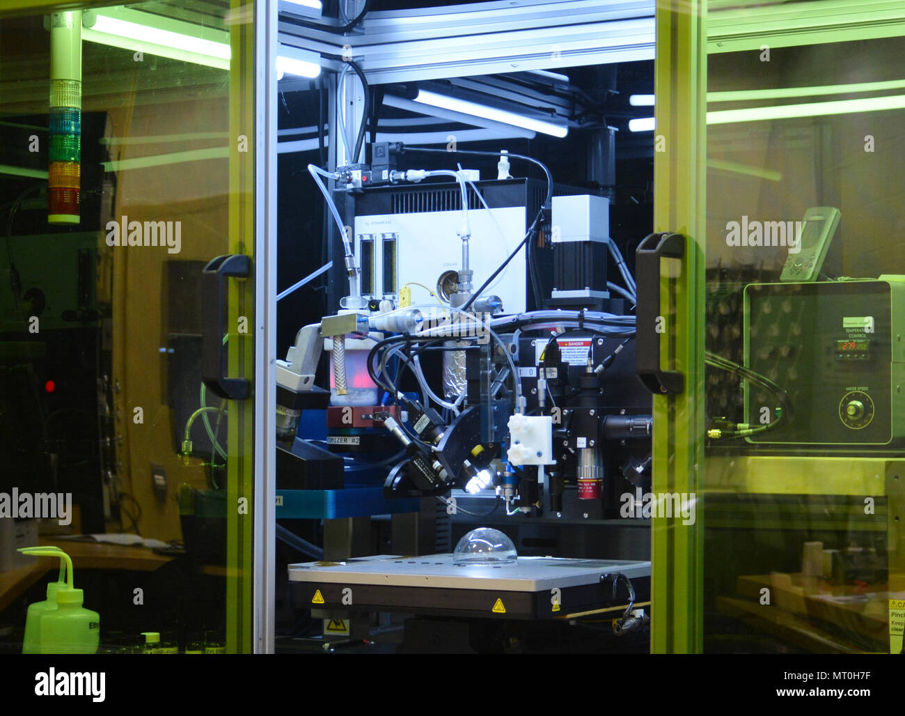 WRIGHT-PATTERSON AIR FORCE BASE, Ohio – Researchers at the Materials and Manufacturing Directorate, Air Force Research Laboratory, have demonstrated the ability to print solar cells on three-dimensional surfaces using a modified aerosol spray printer. The ability to print three dimensionally opens the aperture for future application of solar cells on diverse surfaces for sensors, robotics and more. (U.S. Air Force photo by David Dixon/released) - Stock Image
