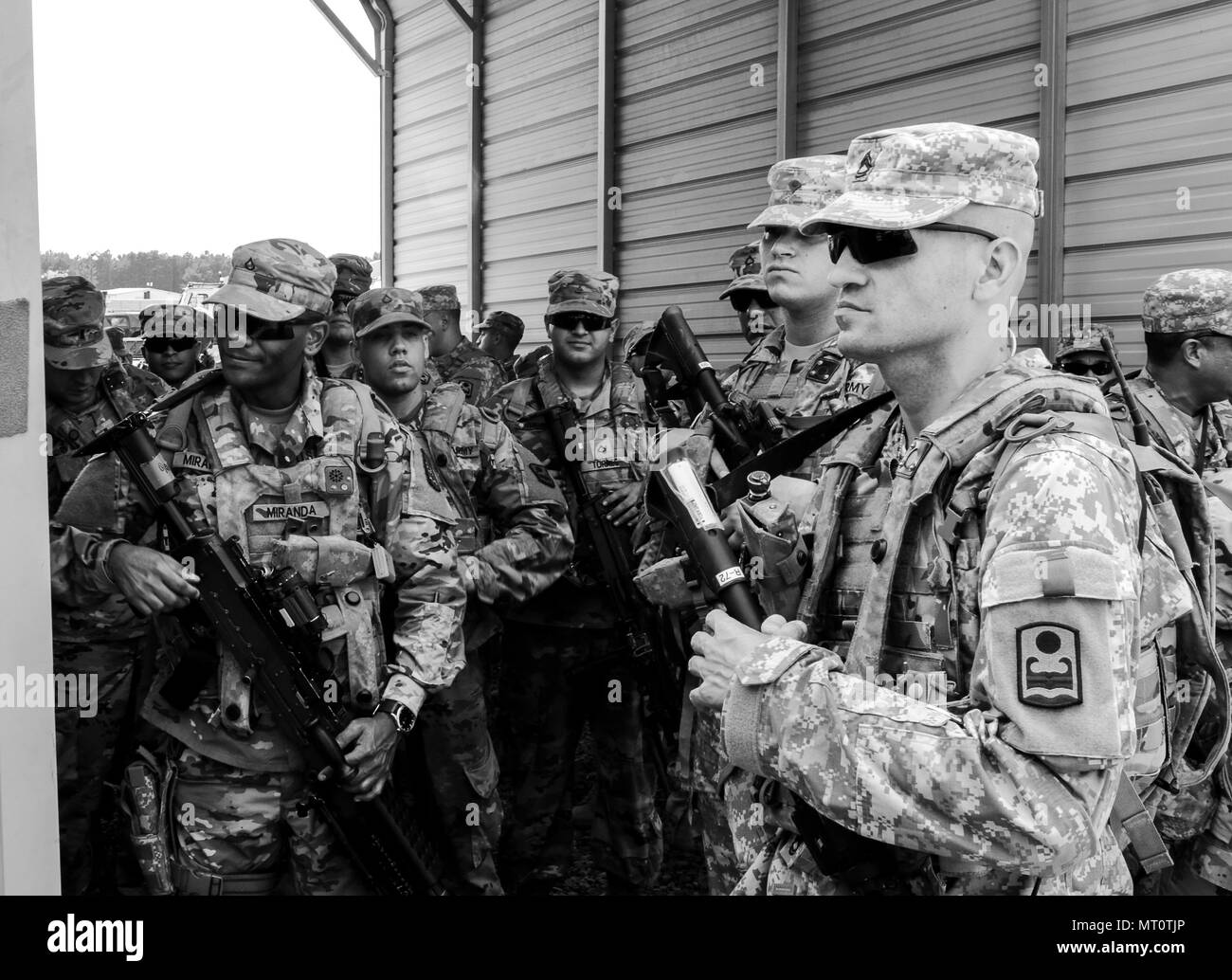 170718 Z PX072 088 Soldiers With C Company 1st Battalion 65th Infantry Regiment Puerto Rico Army National Guard Assemble After Having Their Weapons