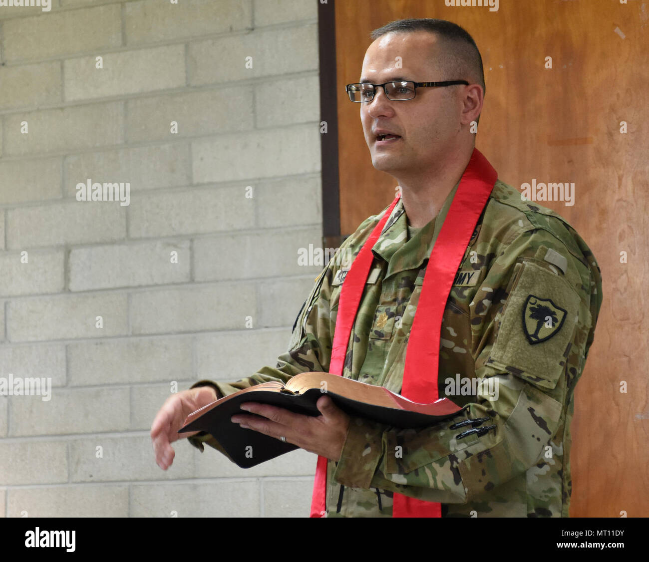 Chaplain (Maj.) Brandon Candee, 1-151st Attack Reconnaissance Battalion chaplain, conducted chapel services July 9, 2017 during annual training at Fort Stewart, Georgia. The sermon focused on the fear of change and how to overcome those fears in preparation for deployment for Soldiers with the 1-151st ARB. - Stock Image