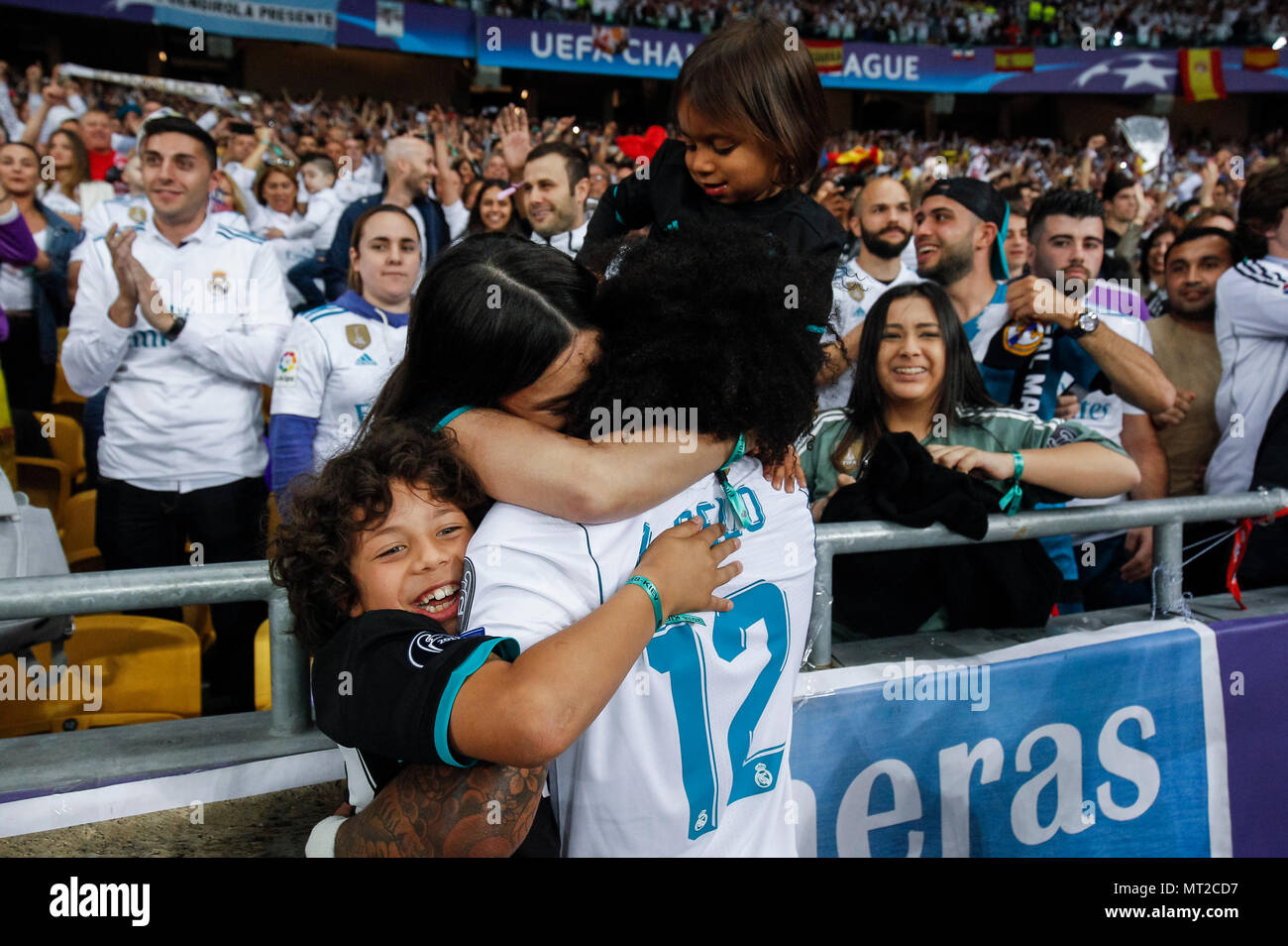 29537b891 Marcelo of Real Madrid celebrates with his family after the UEFA Champions  League Final match between ...