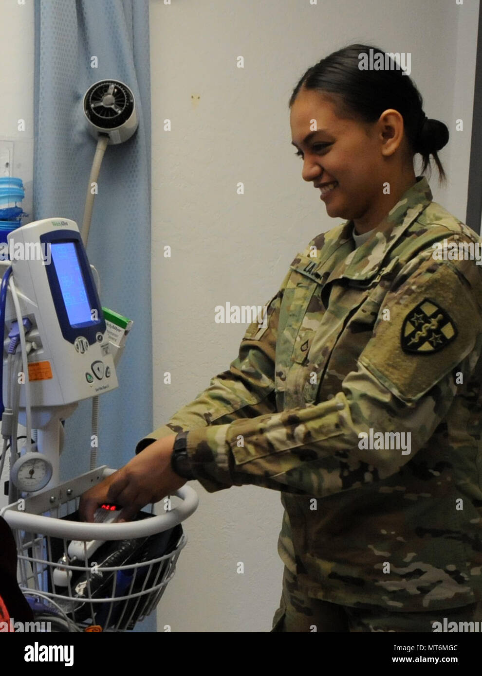 private 1st class nina lapa a combat medic assigned to army reserve
