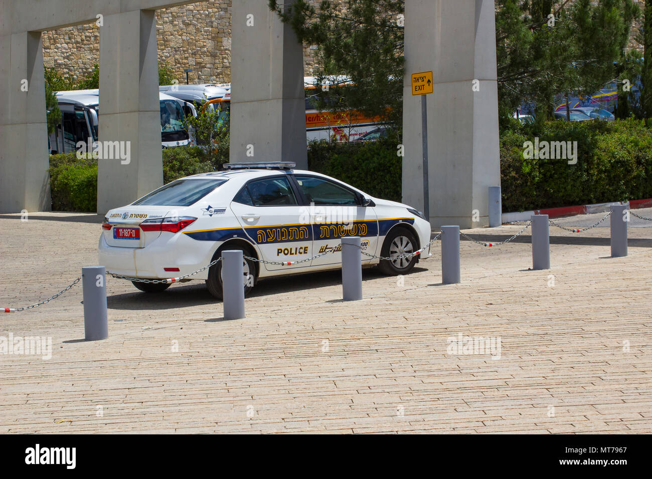 9 May 2018 An Israeli Police car on high alert parked outside the Holocaust Museum in Jerusalem Israel - Stock Image