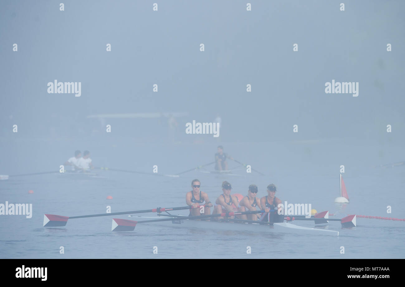 Hamburg. GERMANY.   USA JW4-. Misty, Foggy,  atmospheric, conditions, Friday, Morning training at the 2014 FISA Junior World rowing. Championships.  0 - Stock Image