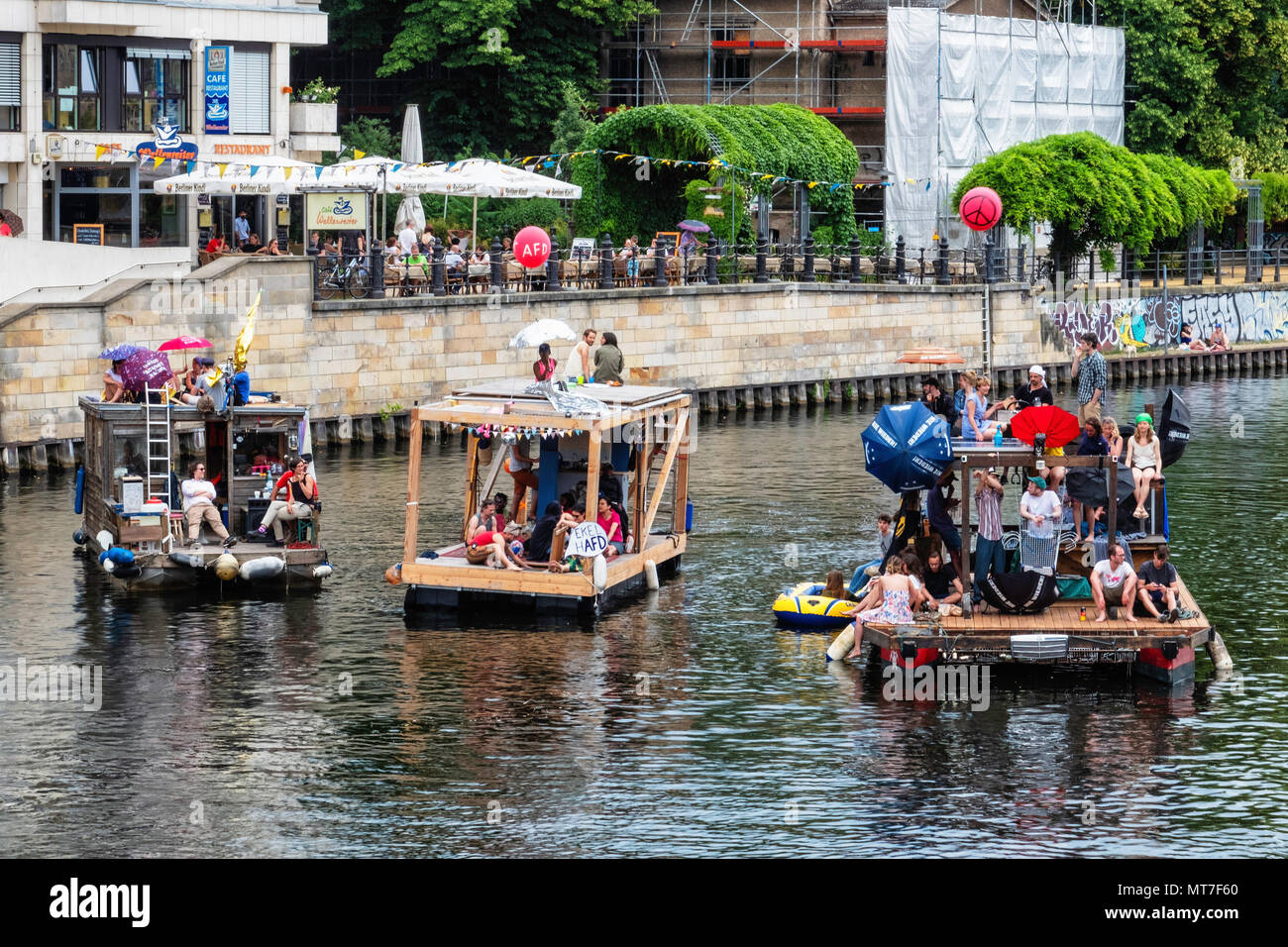 Germany,Berlin-Mitte, 27th May 2017. Anti AfD boat protest on the river Spree to counter nation-wide AfD demo.                                         - Stock Image