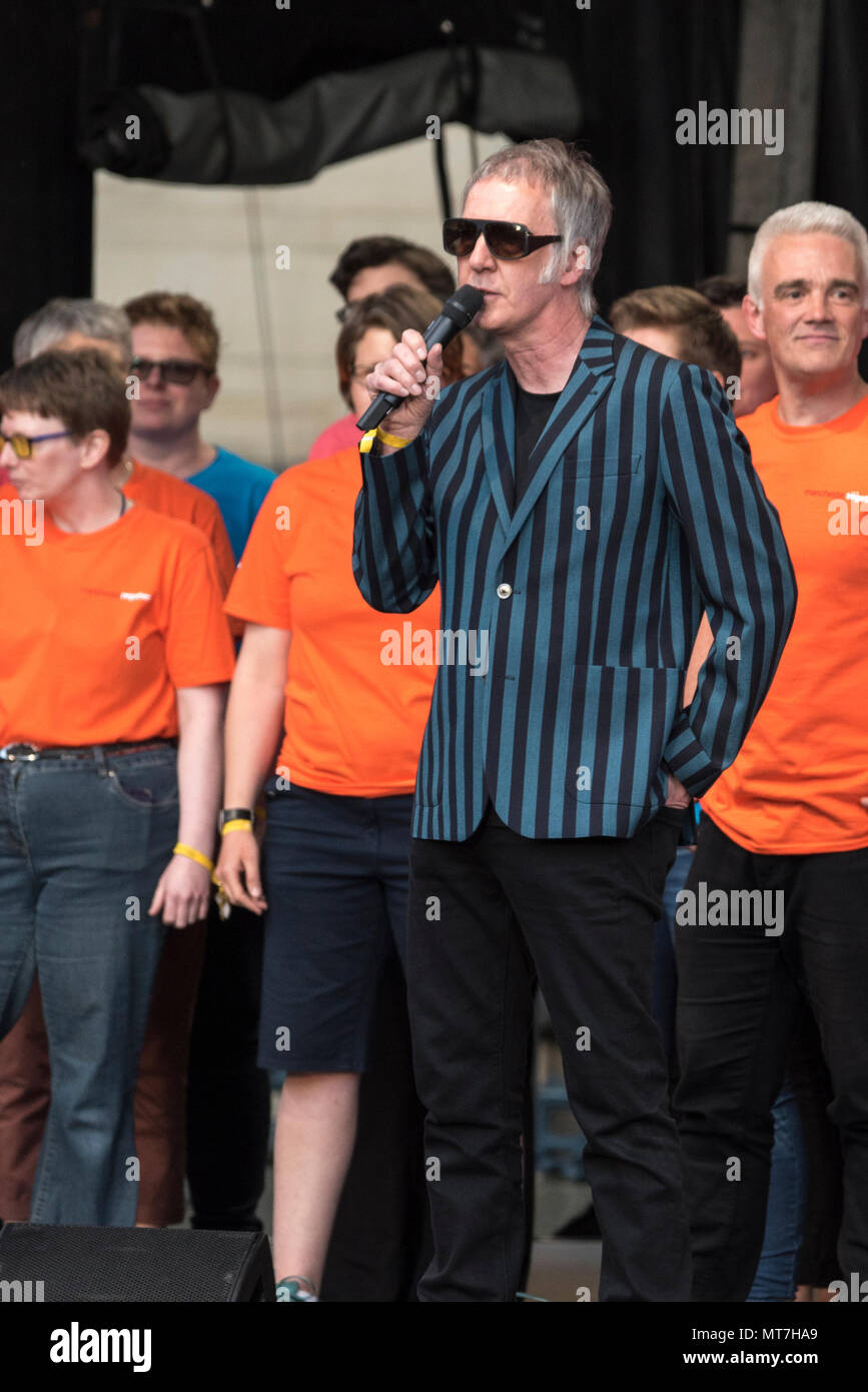 Mancunian musician Clint Boon during the Manchester Together choir concert remembering the victims of the Arena bomb attack in Manchester, Britain, on May 22, 2018. Prince William and British Prime Minister Theresa May joined other politicians, as well as family members of those killed, and first responders to the scene of the terror attack, whilst thousands of people gathered in Manchester Tuesday on the first anniversary of a terror attack in the city which left 22 people dead. - Stock Image
