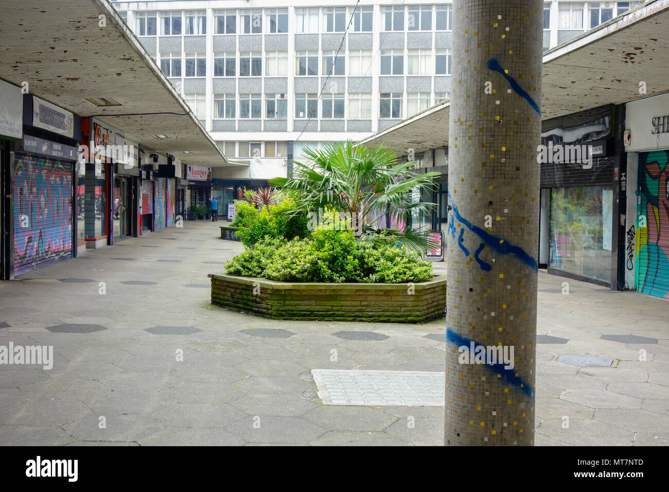 St George's Walk shopping precinct, Croydon, South London. Designed by Ronald Ward and Partners and opened in 1964. - Stock Image