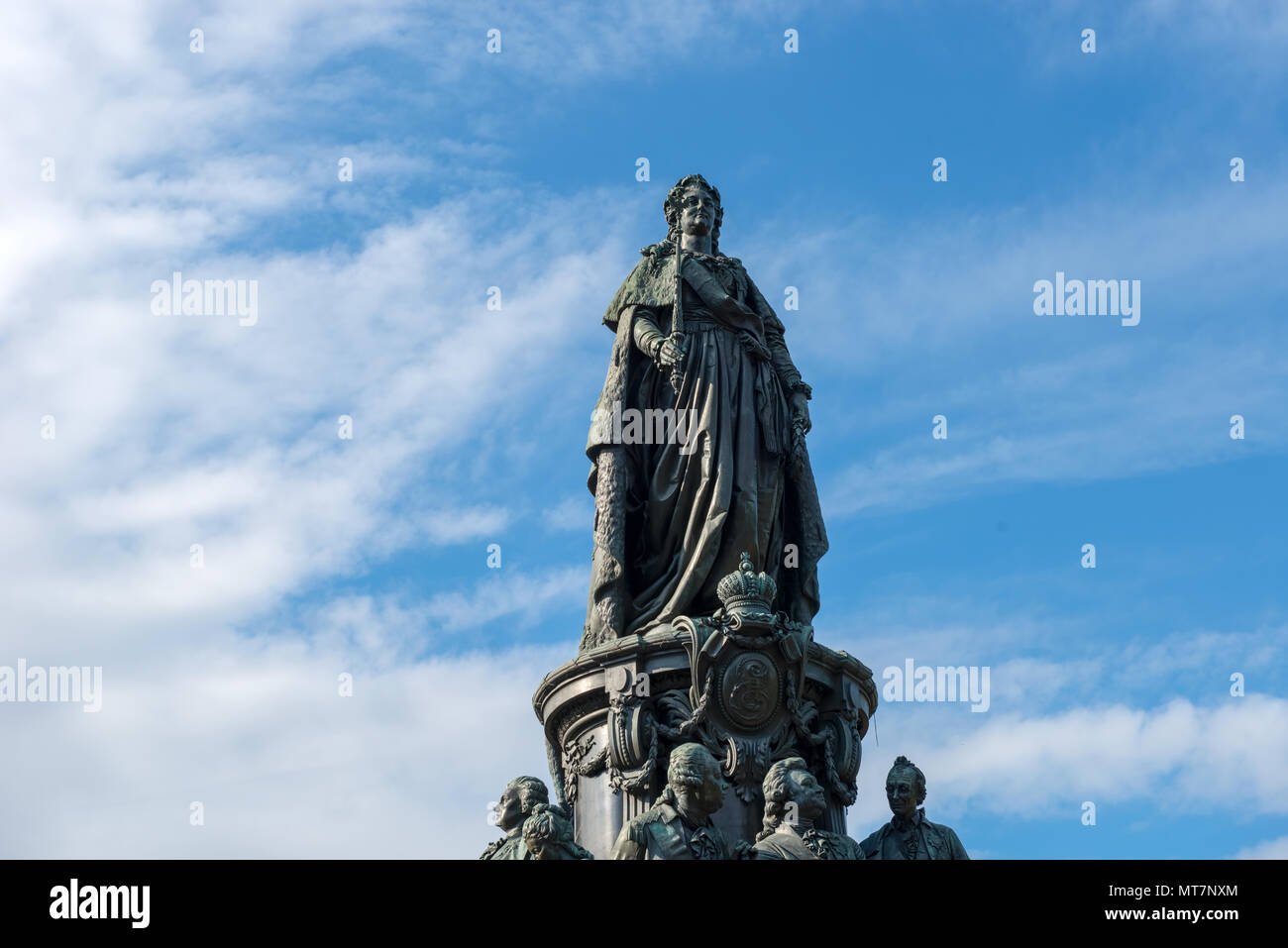 RUSSIA, SAINT PETERSBURG - AUGUST 18, 2017: A bronze monument to Catherine the Great on Ostrovsky Square in Catherine Square - Stock Image