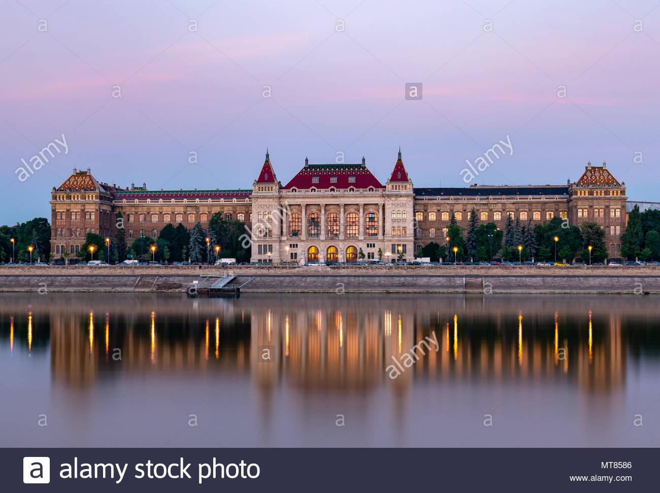 Budapest University of Technology and Economics, main building, at dusk, Budapesti Műszaki és Gazdaságtudományi Egyetem, központi épület - Stock Image