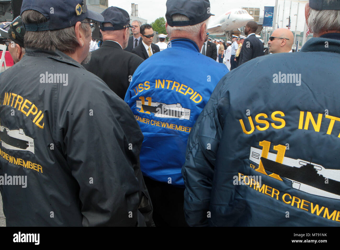 New York, NY, USA. 28th May, 2018. Former U.S Navy Sailors attend the 2018 Memorial Day Ceremony held aboard the U.S.S Intrepid Sea, Air, Space Museum Complex on May 28, 2018 in New York City. Credit: Mpi43/Media Punch/Alamy Live News - Stock Image
