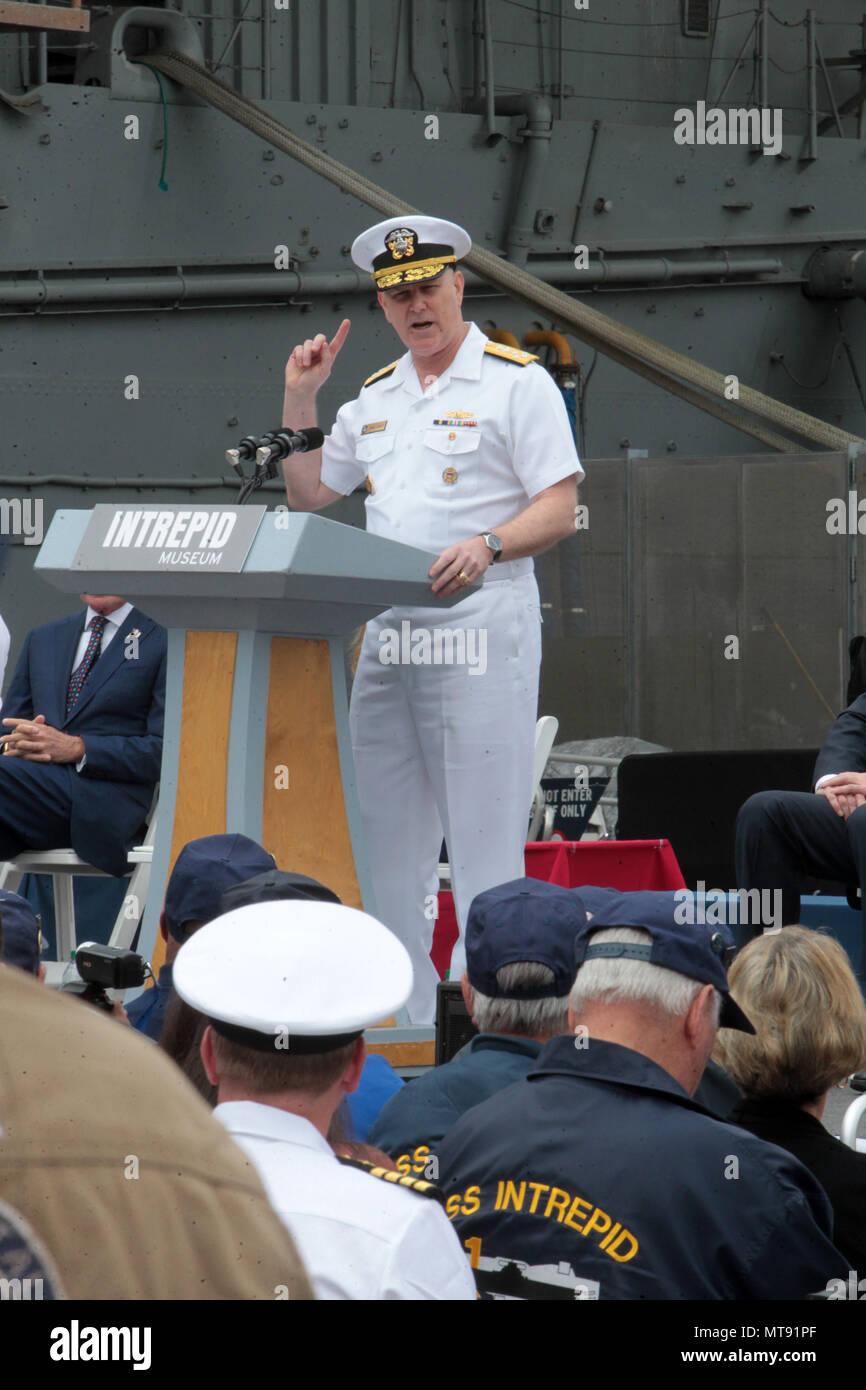 New York, NY, USA. 28th May, 2018. Admiral Christopher Grady, Commander, U.S Fleet Forces Command, U.S. Naval Forces Northern Command attends the 2018 Memorial Day Ceremony held aboard the U.S.S Intrepid Sea, Air, Space Museum Complex on May 28, 2018 in New York City. Credit: Mpi43/Media Punch/Alamy Live News - Stock Image
