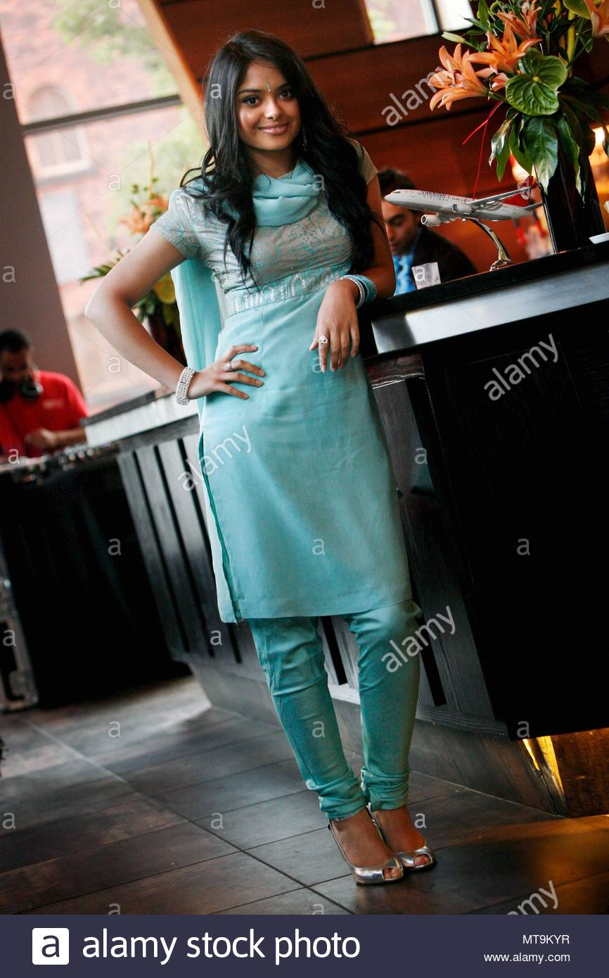 Afshan azad afshan azad who plays padma patil in the harry potter afshan azad afshan azad who plays padma patil in the harry potter movies was spotted at zouk tea bar and grill in manchester at the slumdog millionaire thecheapjerseys Image collections