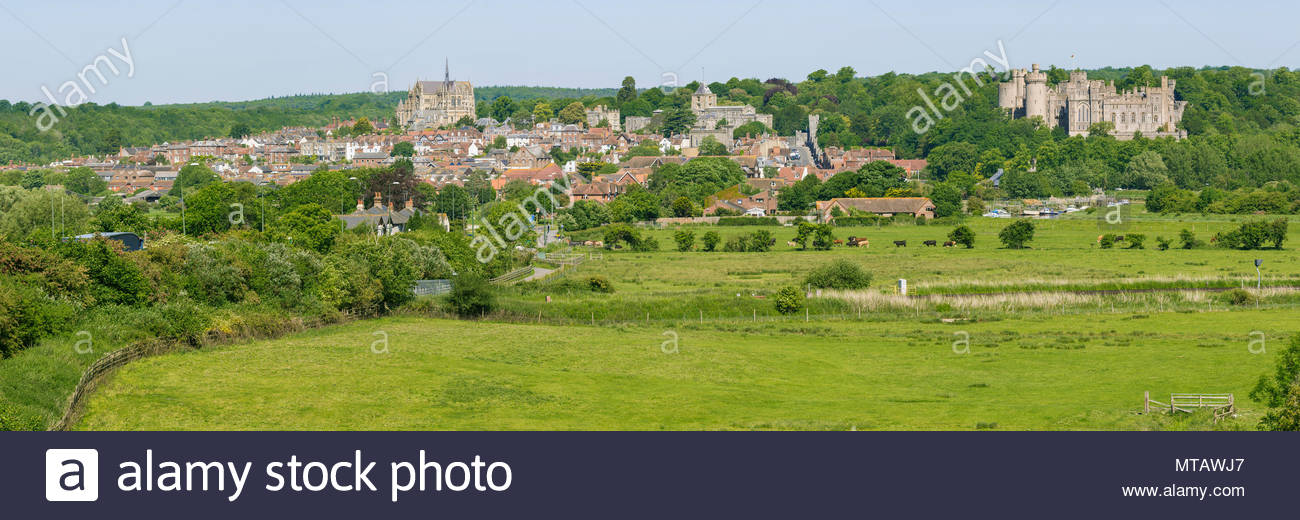 Arundel. Panoramic view of the Market town of Arundel across fields in West Sussex, England, UK. - Stock Image