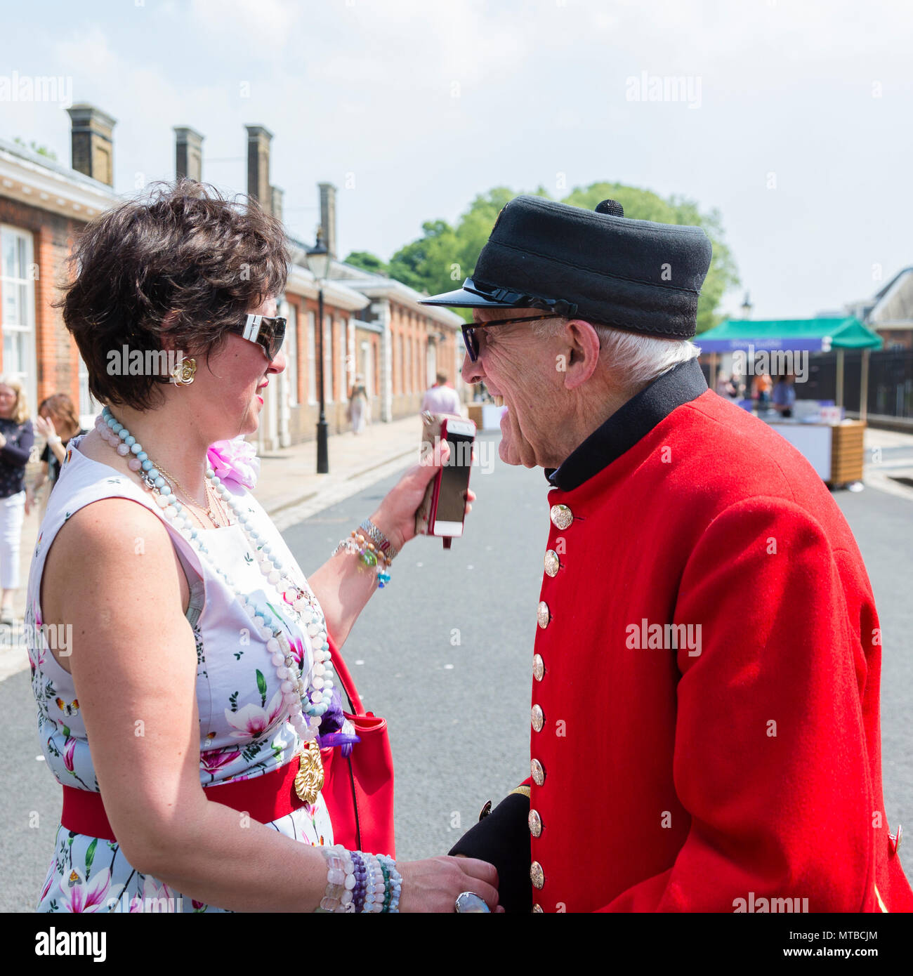 Chelsea Pensioner at Chelsea Flower Show, London Saturday 27th May 2018 - Stock Image