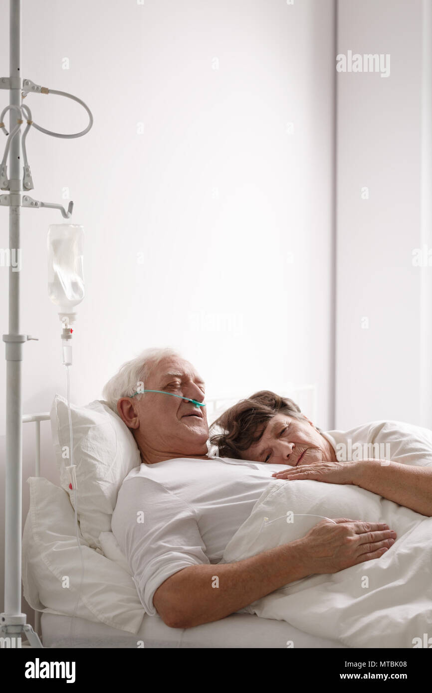 Dying Patient And Family Stock Photos & Dying Patient And