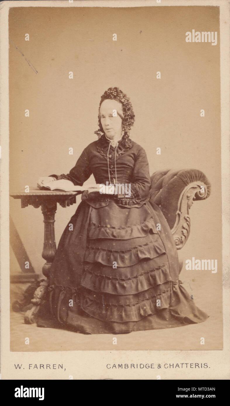 Cambridge Chatteris CDV Carte De Visite Of A Victorian Lady Reading Book
