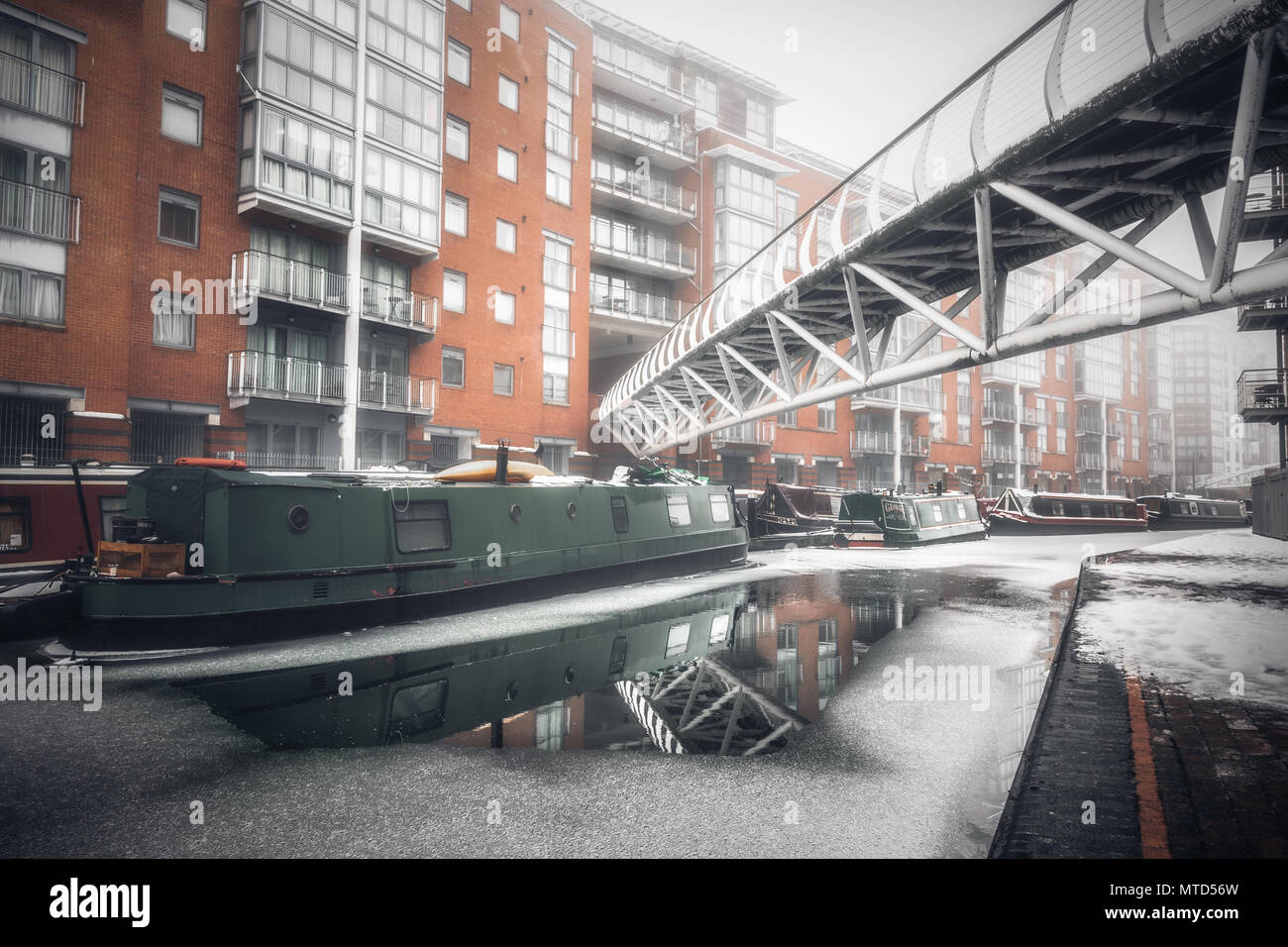 Sherborne Wharf in Birmingham, UK covered in winter snow and ice - Stock Image