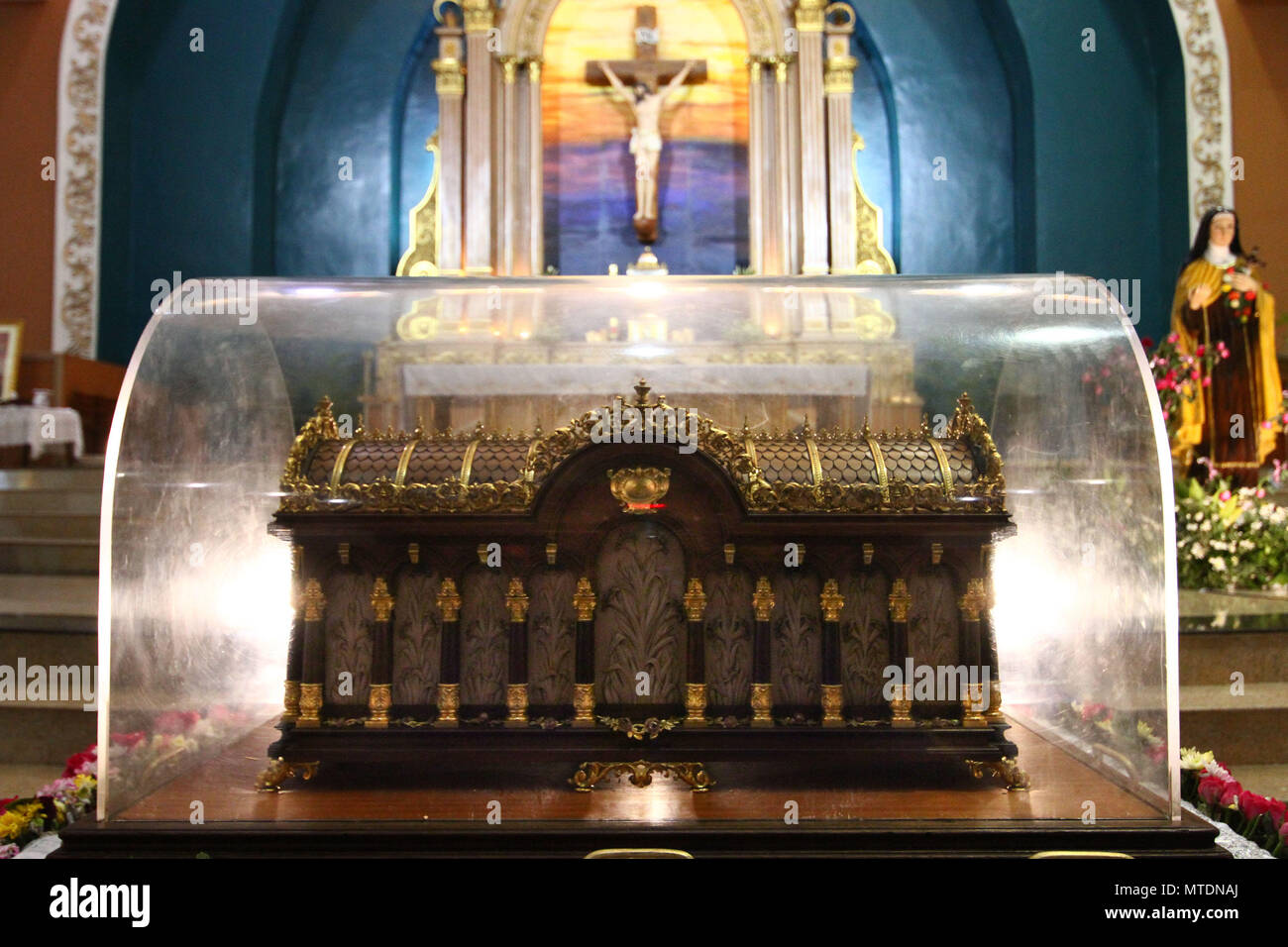 A view of the Shrine of Saint Therese of the Child Jesus in New Port City in Pasay, Metro Manila, for the veneration of  the holy relic of Saint Therese of Lisieux. The reliquary containing the bones of Saint Therese has been on a nation wide tour and is on its last few days in Manila before heading back to France. - Stock Image