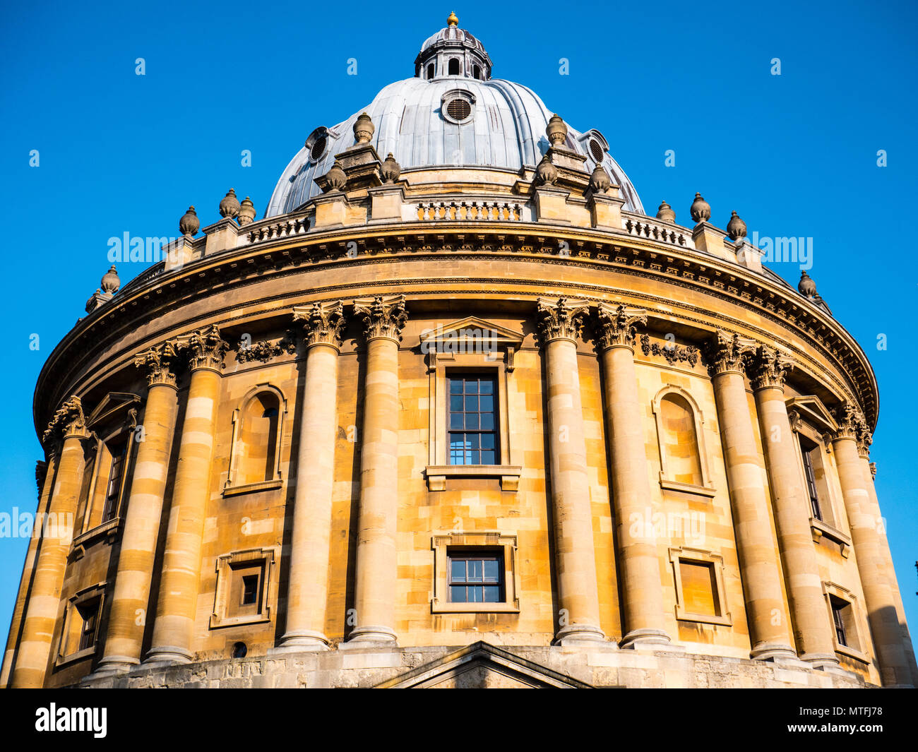 Oxford Landmark, Radcliffe Camera, Oxford University, Radcliffe Square, Oxford, Oxfordshire, England, UK, GB. - Stock Image