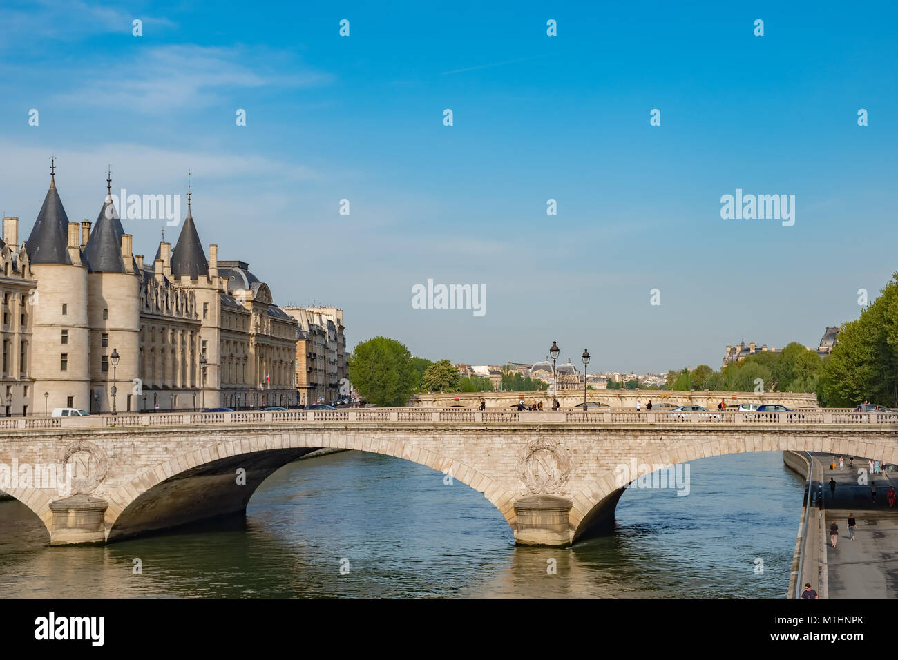 Located in Paris near the Conciergerie, Pont au Change was commissioned by Emperor Napoleon III. - Stock Image