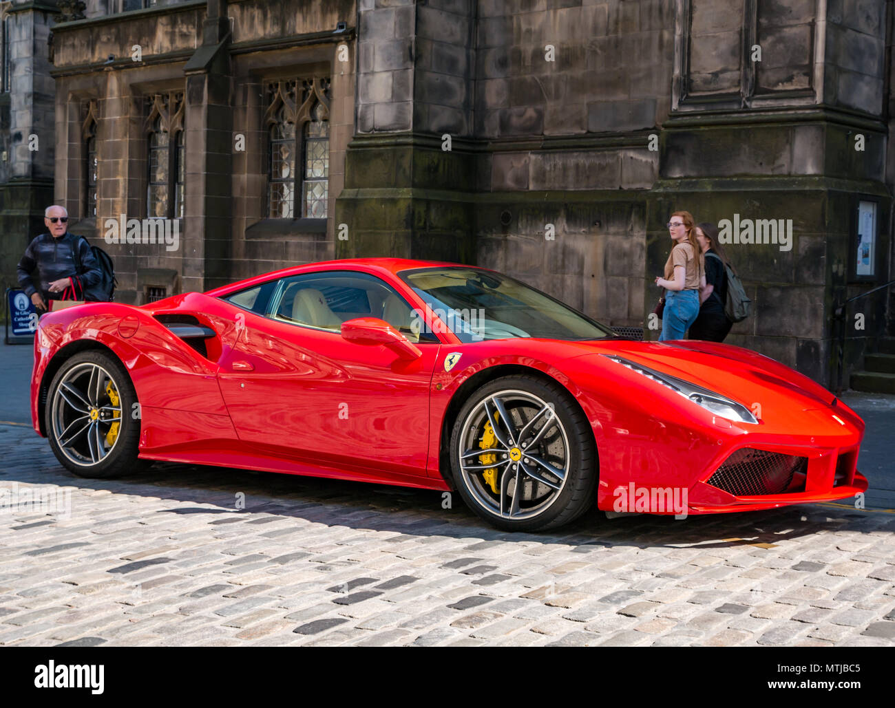 Red Ferrari High Resolution Stock Photography And Images Alamy
