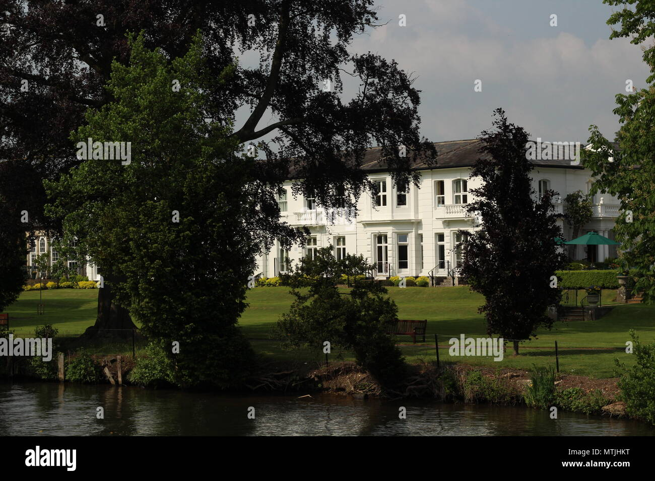 Landscape & Lifestyle - photograph of Greenlands, a luxurious estate of historical significance now a riverside wedding venue. - Stock Image