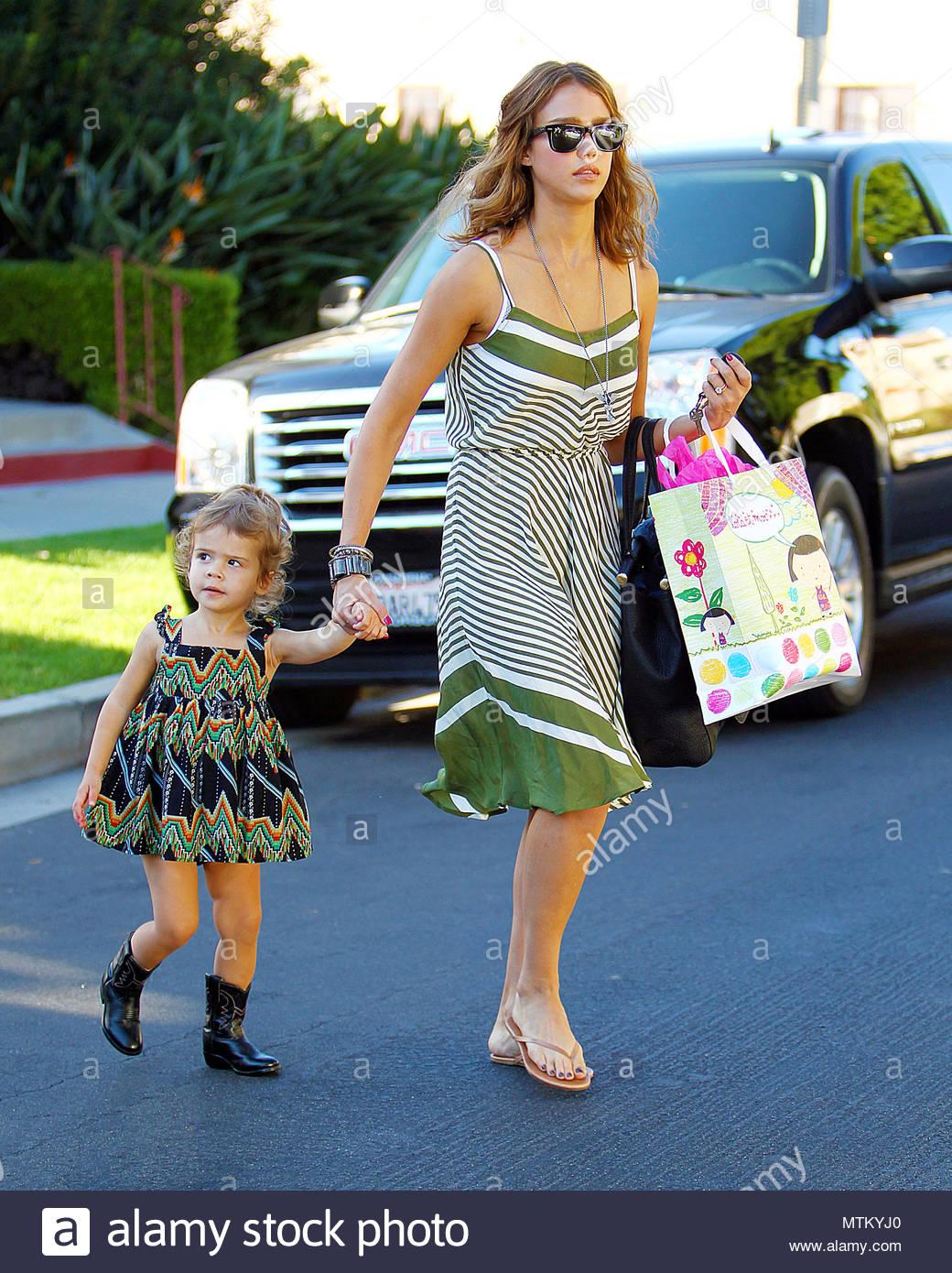 Jessica Alba and daughter, Honor. Jessica Alba takes daughter, Honor ...