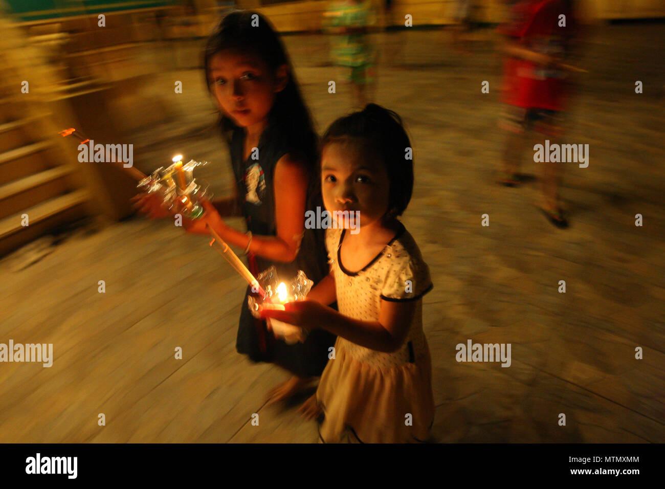 Prachinburi, Thailand  29th May, 2018  Thai people holding