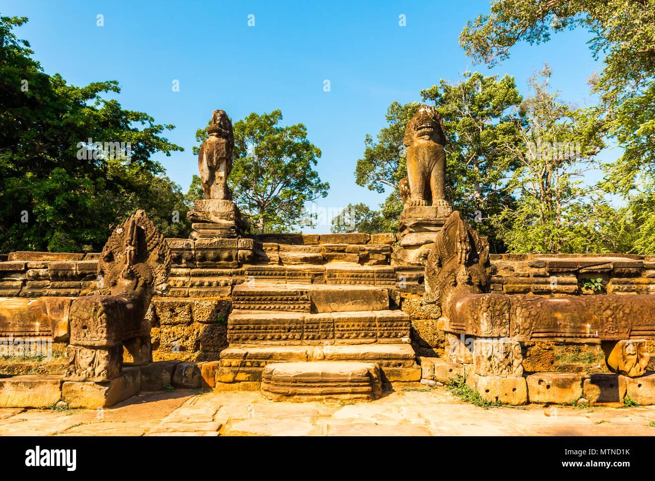 Srah Srang with Lion and Naga statues in Angkor, Cambodia - Stock Image