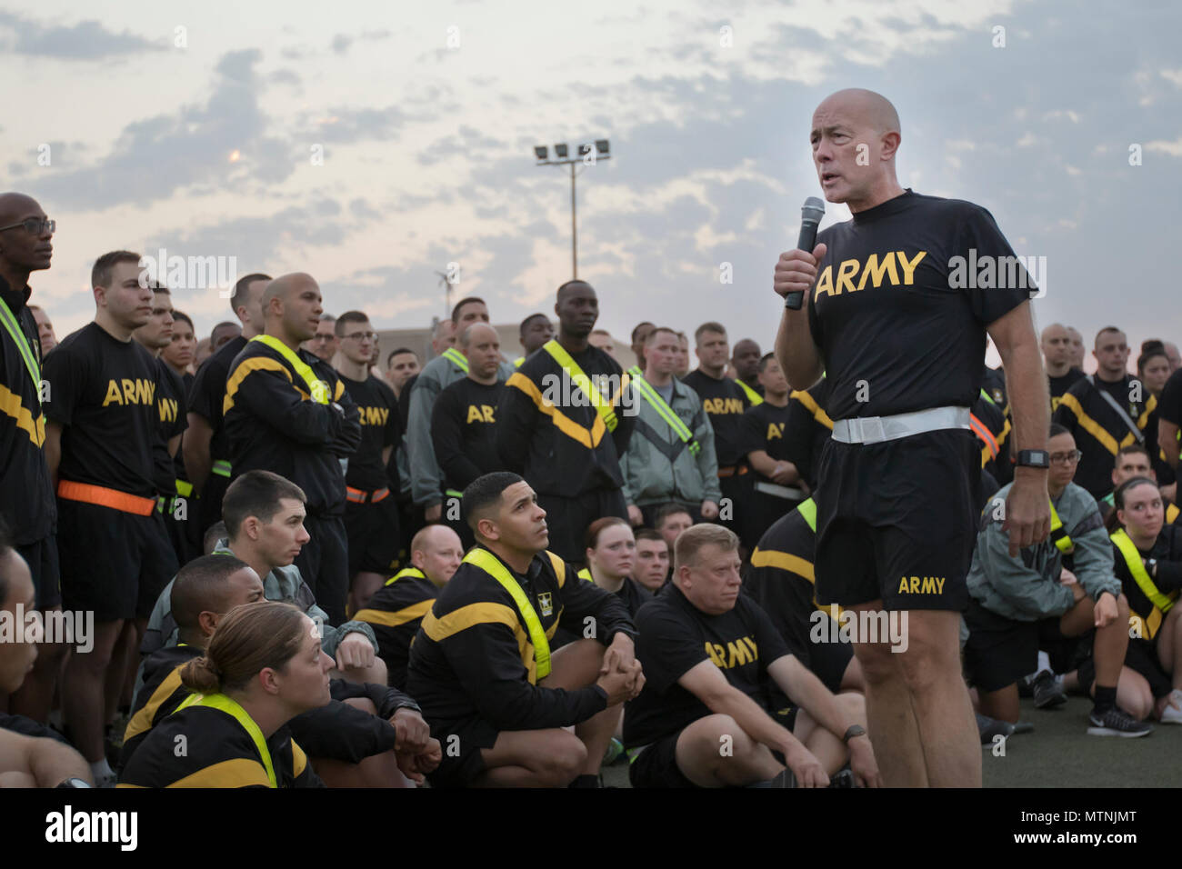 U.S. Army Reserve Commanding General, Lt. Gen. Charles D. Luckey, speaks with Soldiers from the 316th Sustainment Command (Expeditionary), a U.S. Army Reserve command from Coraopolis, PA, at Camp Arifjan, Kuwait, Jan. 10, 2017. 'There is no better place for a leader to be than with their troops downrange,' said Luckey as he spoke with Soldiers about the capabilities, need, and importance of their missions overseas. The 316th ESC mission in Kuwait is to support the 1st Theater Sustainment Command mission of providing logistics support throughout the CENTCOM area of operations. (U.S. Army photo  - Stock Image